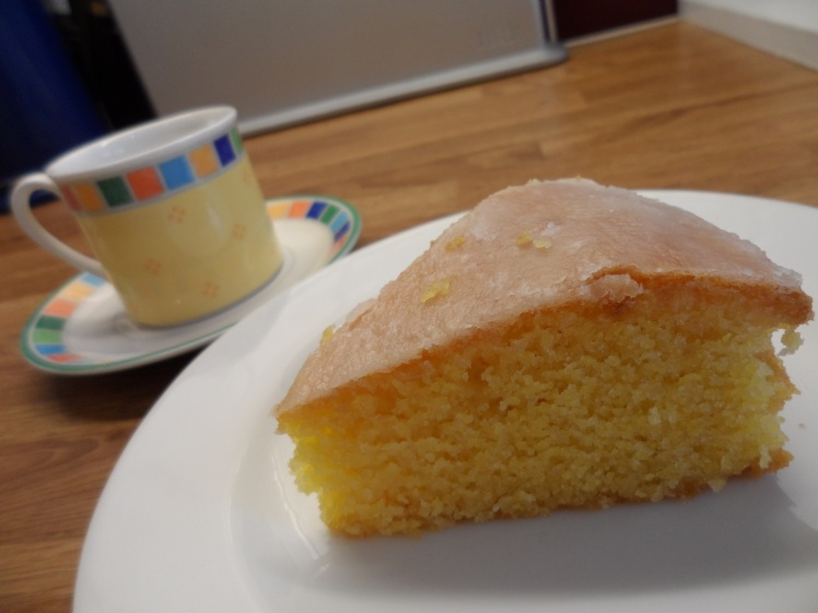 DELICIOUS low FODMAP lemon polenta cake