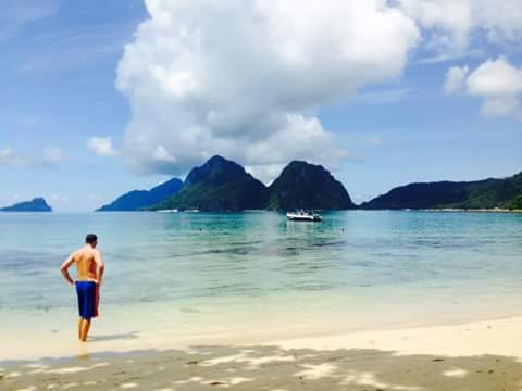 Stunning scenery at Las Cabanas beach, Palawan